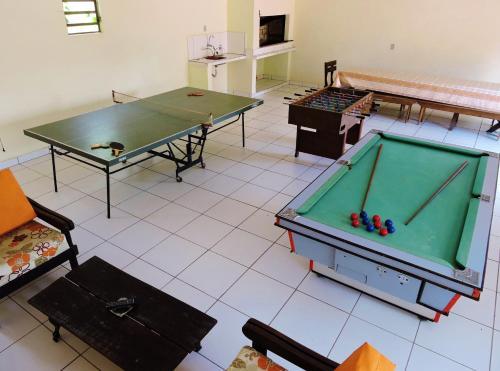 Ping-pong facilities at Hotel Comodoro De Livramento or nearby