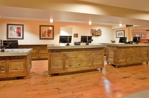 The lobby or reception area at The Lodge at Eagle Crest