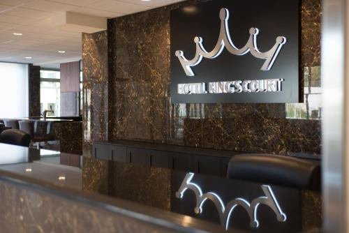 The lobby or reception area at Hotel King's Court