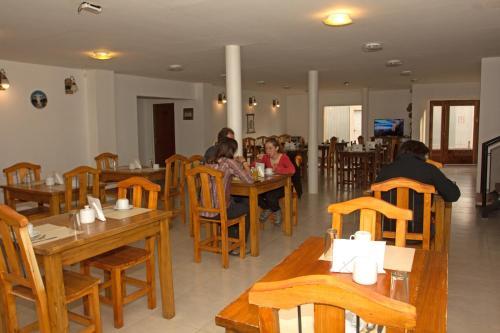 Un restaurant u otro lugar para comer en Hosteria Alma de Patagonia