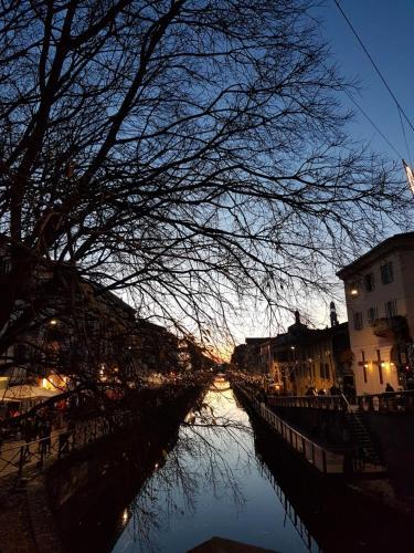 Home Suite Home - Casa Aramis Navigli zona Darsena -Bocconi - Cattolica -metro' verde Porta Genova žiemą