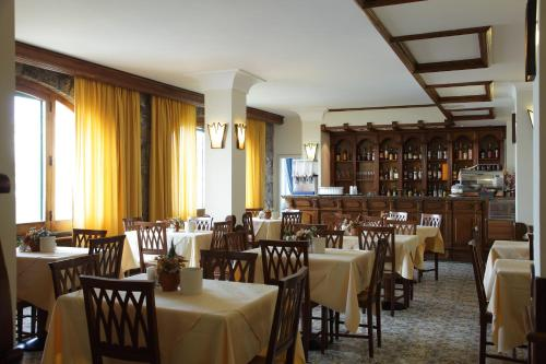 Restaurant ou autre lieu de restauration dans l'établissement Hotel Mega Mare