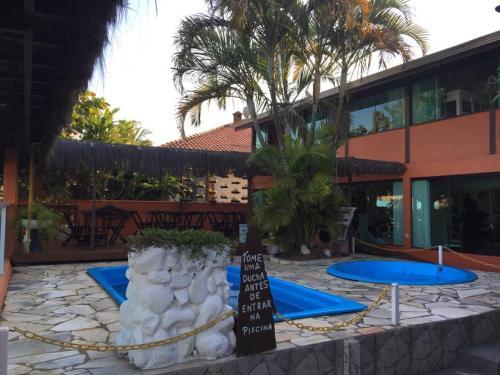 A piscina localizada em Pousada Gaivotas ou nos arredores