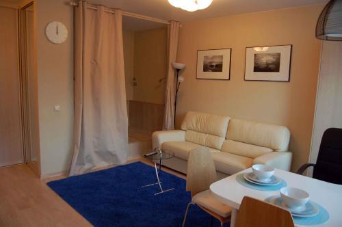 Гостиная зона в Апартаменты на Дашкевича 7