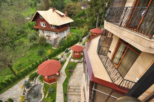 A bird's-eye view of Hotel Arca lui Noe