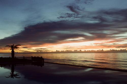 度假村或附近地點的日出和日落景觀