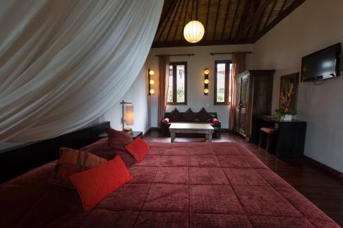 A seating area at Ecosfera Hotel, Yoga & Spa