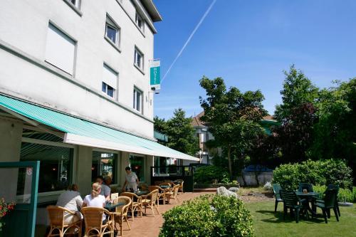Restaurant ou autre lieu de restauration dans l'établissement Parkhotel