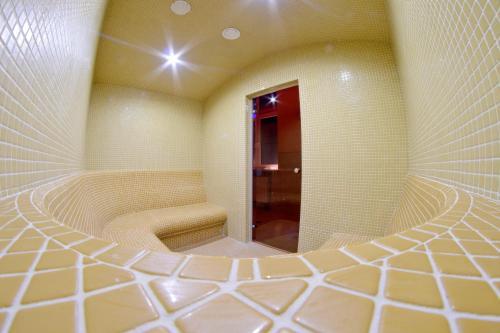 A bathroom at Korona Palace
