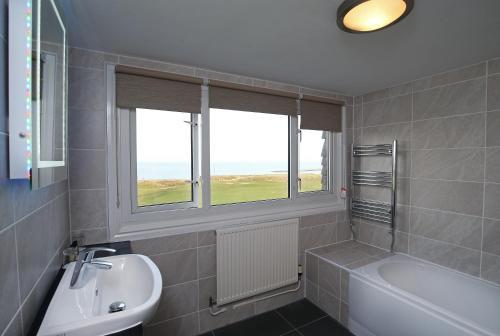 A bathroom at Leasowe Castle Hotel