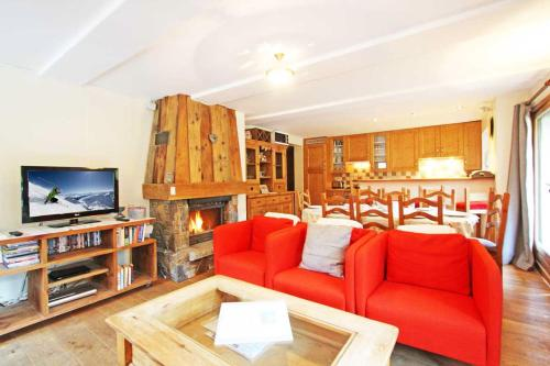 A seating area at La Ferme des Praz apartment - Chamonix All Year