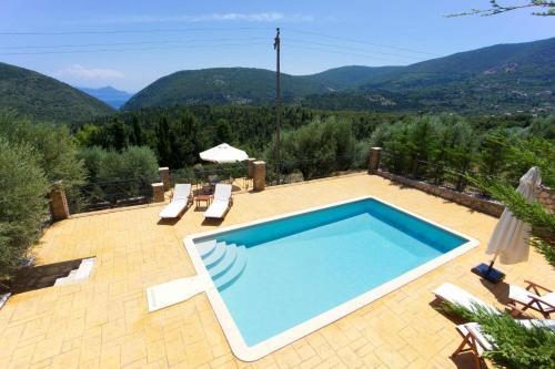Vista de la piscina de Pilikas Luxury Villas o alrededores