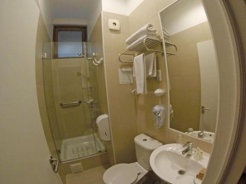 A bathroom at Hotel Loreto