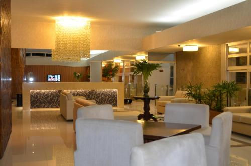 The lobby or reception area at Arituba Park Hotel
