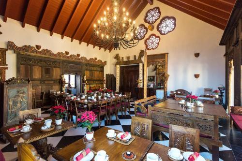 Ein Restaurant oder anderes Speiselokal in der Unterkunft Hotel am Palais