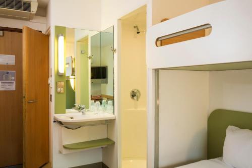 A bathroom at ibis budget Glasgow