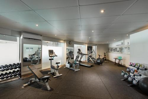 The fitness centre and/or fitness facilities at DoubleTree by Hilton Fiji - Sonaisali Island