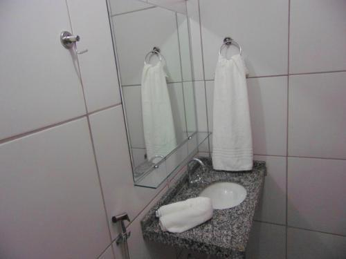 Um banheiro em Aldenora Flats