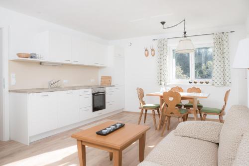 Küche/Küchenzeile in der Unterkunft Zum Hirsch
