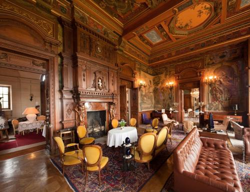 Salon ou bar de l'établissement B&B Chateau de Villersexel