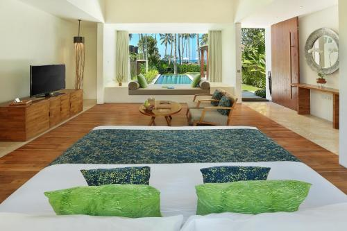 A seating area at Candi Beach Resort & Spa