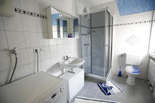 Ein Badezimmer in der Unterkunft Ferienwohnung Pretz