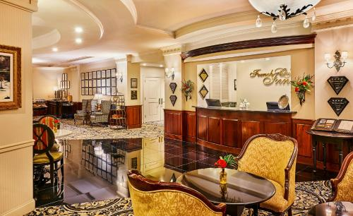 The lounge or bar area at French Quarter Inn