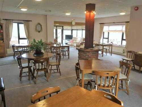 A restaurant or other place to eat at Church Farm Guest House