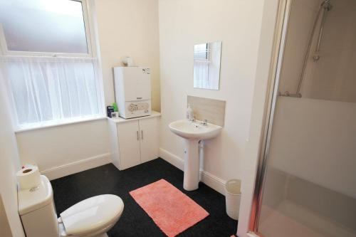 A bathroom at William Street North