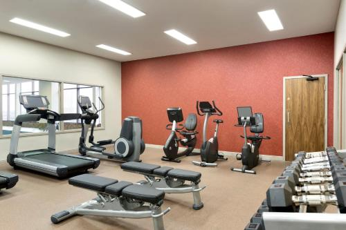 The fitness center and/or fitness facilities at Delta Hotels by Marriott Saint John