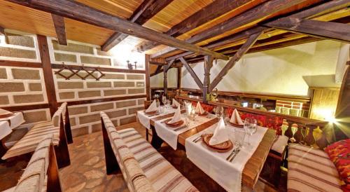Εστιατόριο ή άλλο μέρος για φαγητό στο Matsurev Han