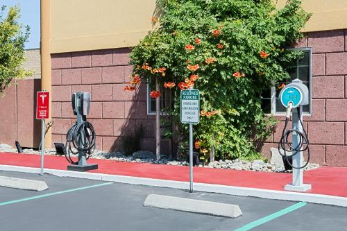 The fitness center and/or fitness facilities at Super 8 by Wyndham Ukiah