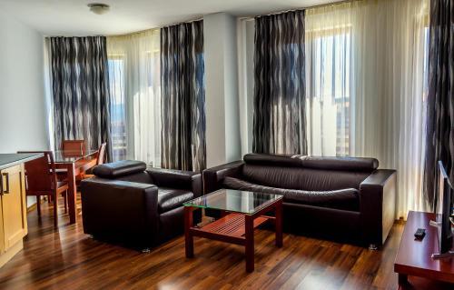 Кът за сядане в Евъргрийн АпартХотел