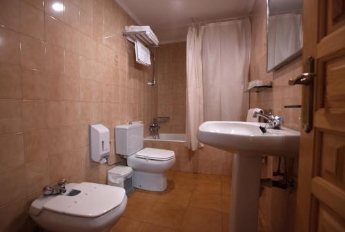 Un baño de Hotel La Venta de Goyo