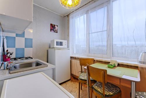Кухня или мини-кухня в ВАМкНАМ Дыбенко 25
