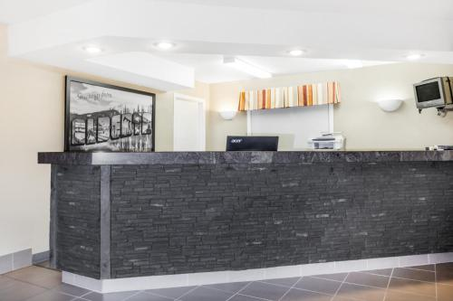 The lobby or reception area at Super 8 by Wyndham Stettler