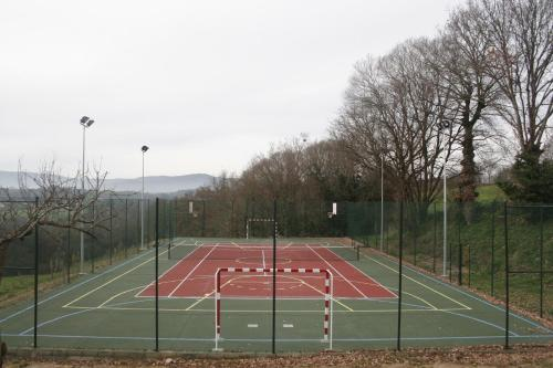 Tennis and/or squash facilities at Pazo de Bendoiro or nearby