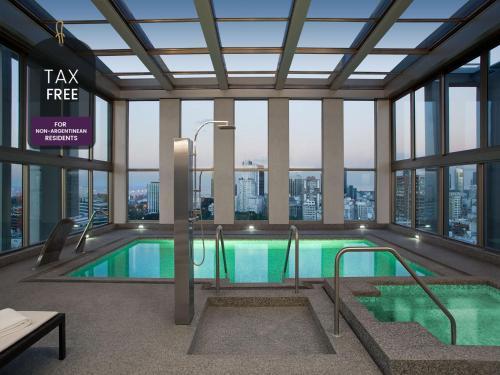A piscina localizada em Alvear Art Hotel ou nos arredores