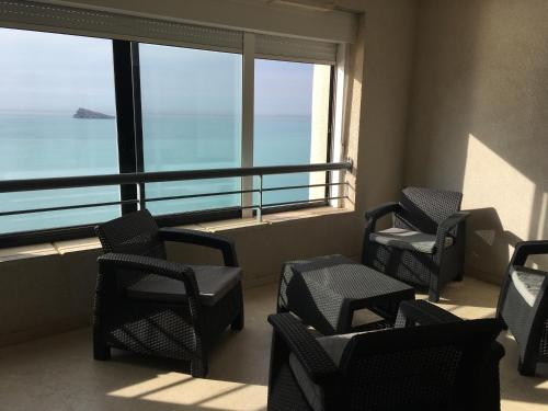 A seating area at Apartments Torre Levante 1H