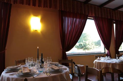 A restaurant or other place to eat at Gran Sasso Family Hotel Miramonti