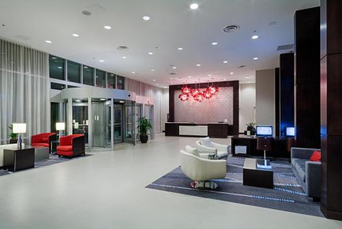 The lobby or reception area at DoubleTree by Hilton Hotel Bristol