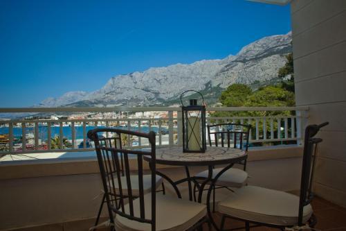 A balcony or terrace at Makarska City Bay Studios