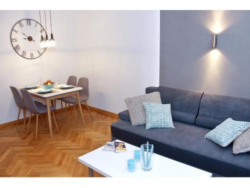 Część wypoczynkowa w obiekcie Srebrna Warsaw Apartment