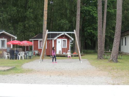 Lekplats på Bromölla Camping o Vandrarhem