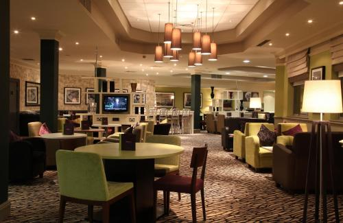 A restaurant or other place to eat at Doubletree By Hilton Glasgow Strathclyde