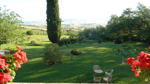 A garden outside Le Rogheta
