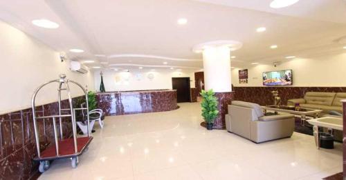 O saguão ou recepção de Fakhamet Al Taif 1 Hotel Apartments