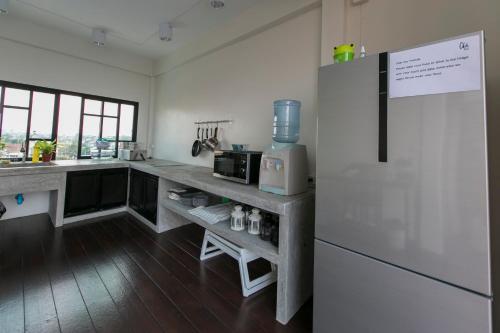 Küche/Küchenzeile in der Unterkunft Chedi View Hostel