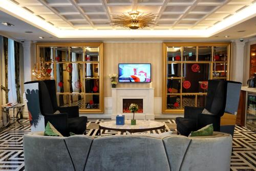 The lobby or reception area at Hotel Madera Hollywood