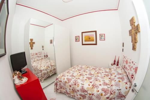 A bed or beds in a room at Insidesalernohome
